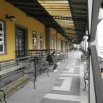 Wachten op het treinstation